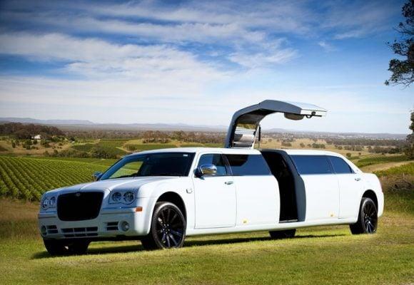 Chrysler 300C Stretch Limousine - H2 Hunter Hummers